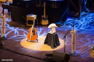 Dickens-opry stage